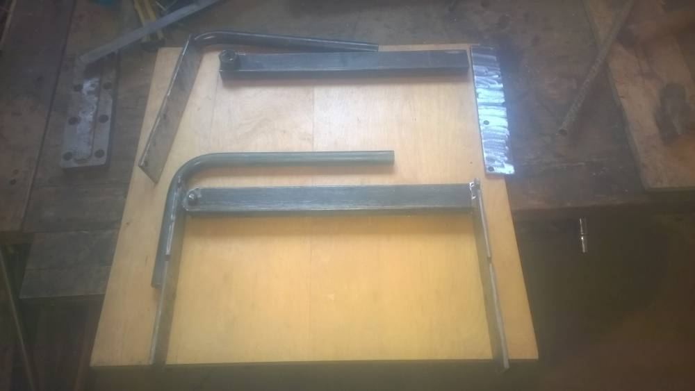 Зубчатая кельма для газобетона в виде ковша: работа инструментом и его изготовление