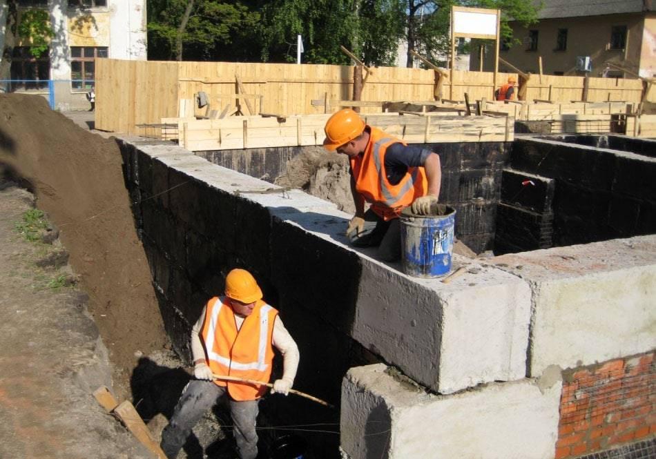 Гидроизоляция на цементной основе: плюсы и минусы