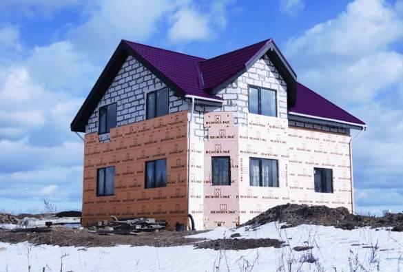 Как утеплить дом из пеноблоков: особенности процесса и характеристики материалов