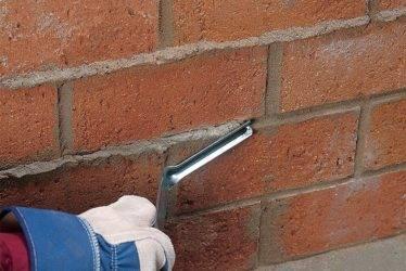 Советы опытных мастеров, как правильно выложить кирпичную стену своими руками