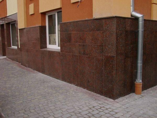 Керамогранит для цоколя, как вариант облицовки фасада плиткой