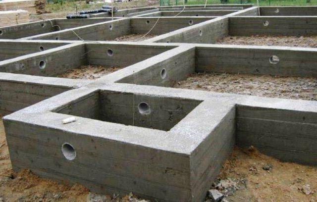 Продухи в фундаменте деревянного дома: устройство, сколько нужно делать