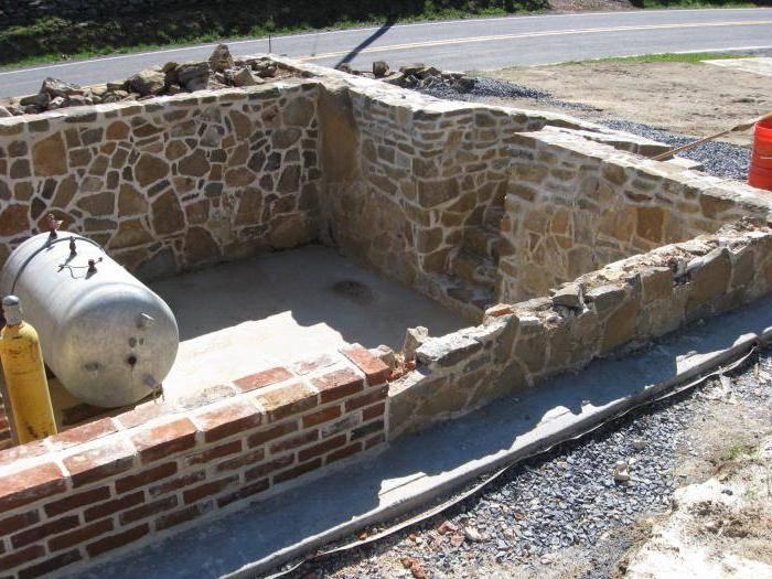 Технологии демонтажа бетонных стен в квартире и в частном доме