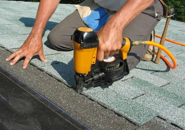 Ремонт плоской кровли зимой рулонными материалами + демонтаж и выявление протечек в крыше многоквартирного дома