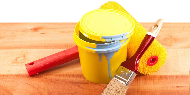 Покраска сруба снаружи, чем покрасить, выбор средств и материалов, подготовка, обработка