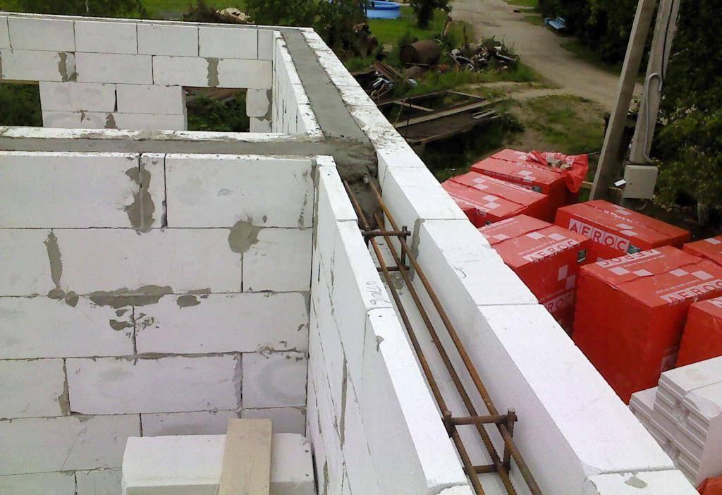 Для чего необходим армопояс на стены из газоблока, требования, технология монтажа