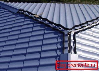 Конек для крыши из профнастила: виды, форма, размеры и способ монтажа