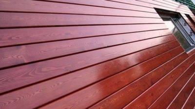 Как и чем покрасить сруб дома снаружи: этапы подготовки и покраски, что влияет на качество покрытия