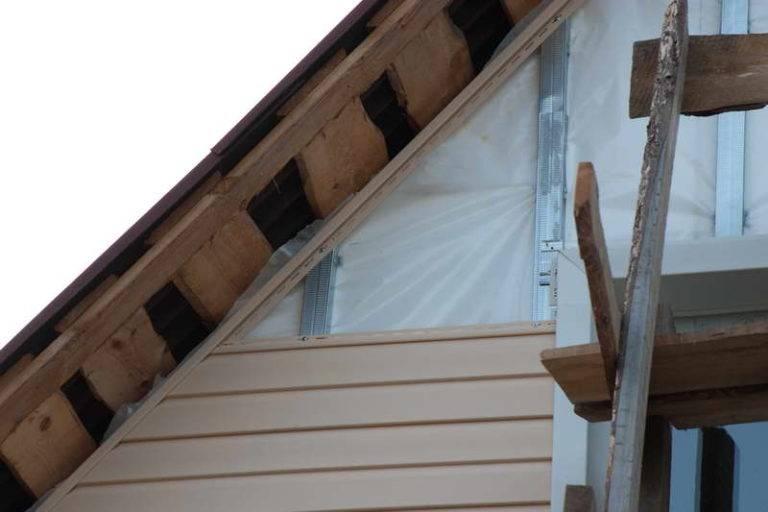 Отделка окон сайдингом снаружи: монтаж панелей и обшивка околооконных планок