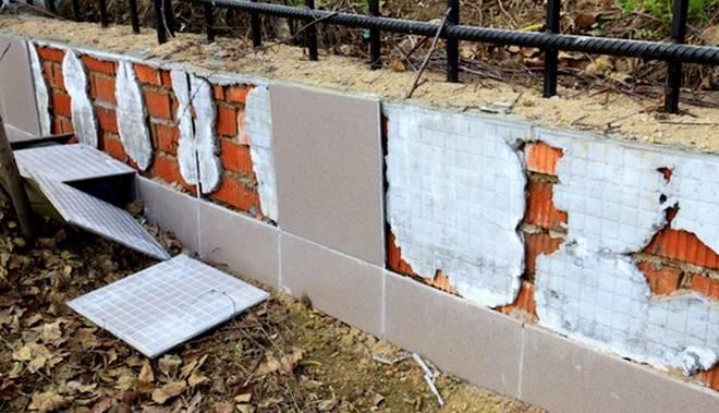 Цокольная плитка (54 фото): клинкерная облицовочная продукция, камень для облицовки дома, тонкости укладки плит перекрытия на цоколь