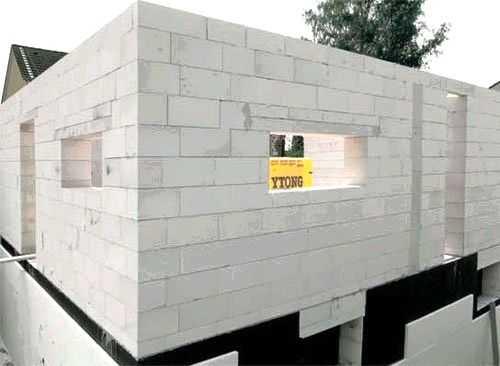 Зачем нужна пароизоляция и какой стороной крепить материалы к стенам