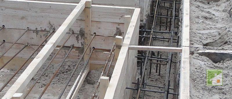 Фундамент для двухэтажного дома: ленточный и глубина из пеноблоков, кирпича