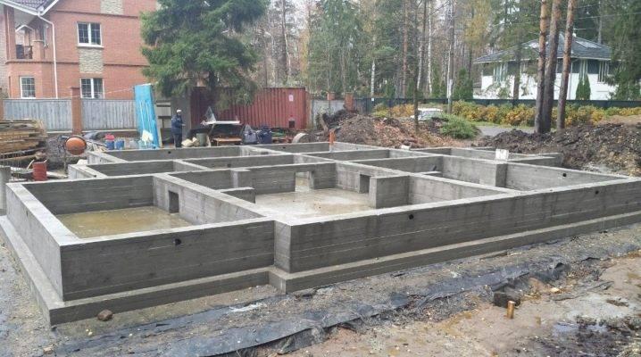 Какую марку бетона выбрать для фундамента дома