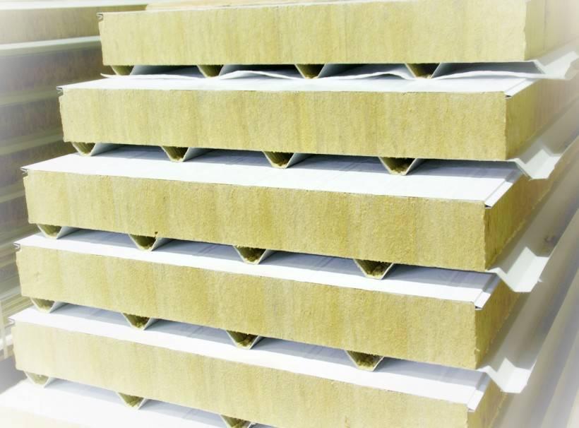 Чем отличаются деревянные бытовки от металлических и из сэндвич-панелей