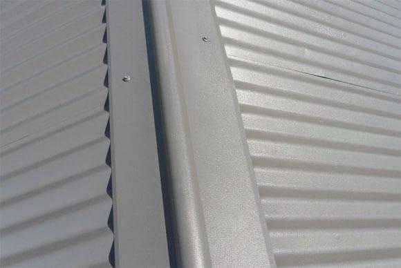 Как покрыть крышу профлистом своими руками: пошагово разбираемся в технологии