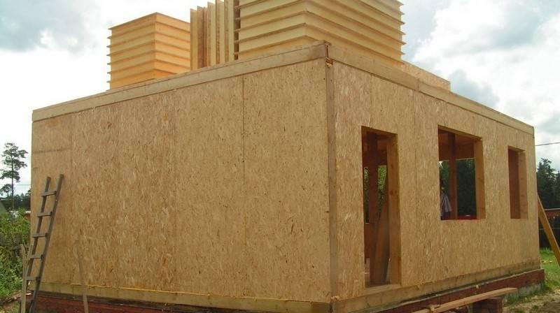 Быстровозводимые конструкции из сэндвич-панелей: можно построить все от автомойки до жилого дома
