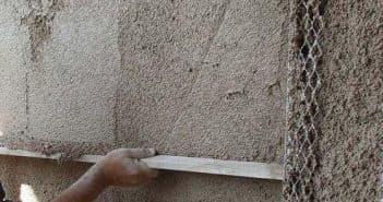 Плюсы и минусы теплой штукатурки для фасада + расход смеси и технология нанесения своими руками