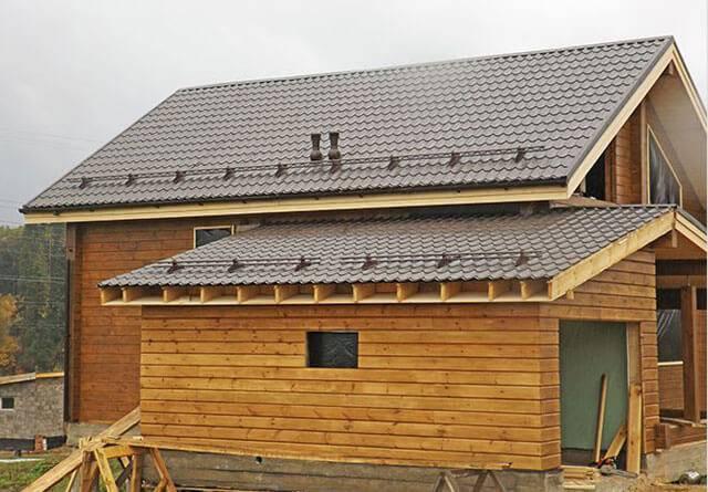 Как правильно установить односкатную крышу из поликарбоната?