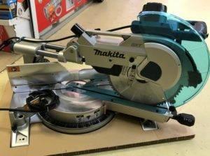 Торцовочная пила makita: обзор комбинированных инструментов и с протяжкой + отзывы покупателей