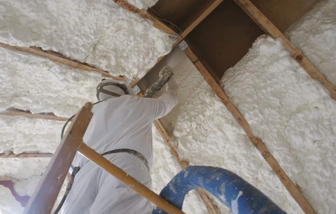 Жидкие утеплители для стен и преимущества их применения