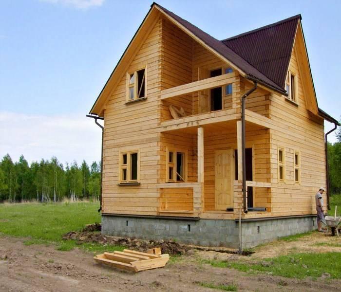 Строительство дачных домов из бруса: этапы, плюсы и минусы, а также правила выбора материала