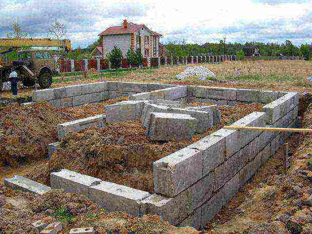 Фундамент для дома из газобетона: какой выбрать, нюансы