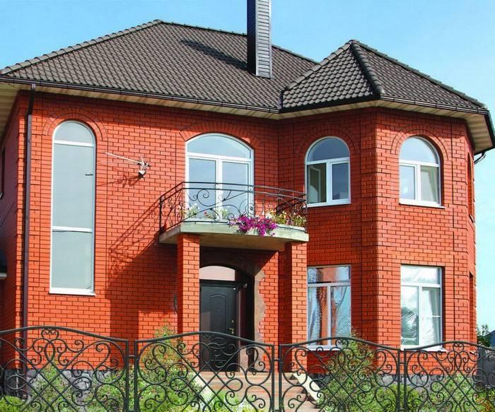 Дом из белого кирпича (35 фото): одноэтажный кирпичный коттедж с коричневыми углами, проект конструкции из клинкерного материала