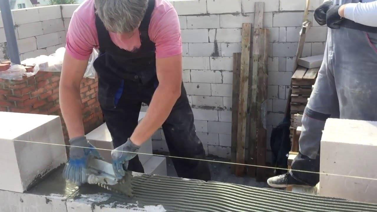 Строительство бетонных монолитных стен: заливка, шлифовка и другие этапы