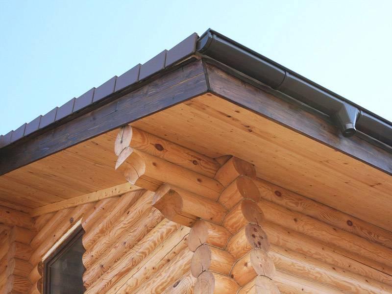 Подшивка свесов крыши: варианты обшивки и техника выполнения