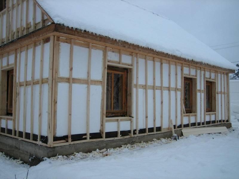 Какой утеплитель наиболее оптимален для утепления стен дома снаружи под сайдинг своими руками
