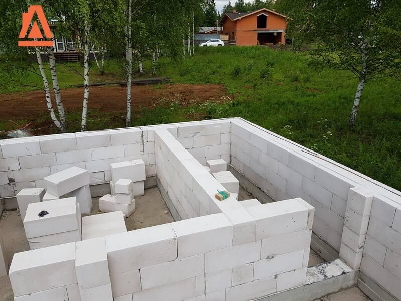 Перегородки из газобетонных блоков: монтаж внутренних, межкомнатных