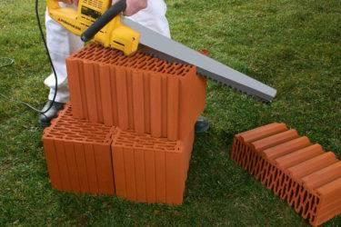 Различные пилы для резки керамических блоков, технология их применения