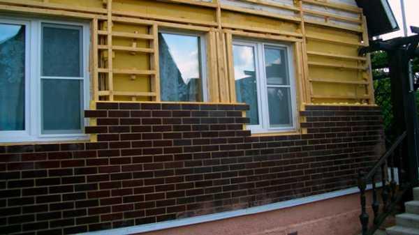 Фасадные панели под кирпич: красивый дом без нагрузки на стены