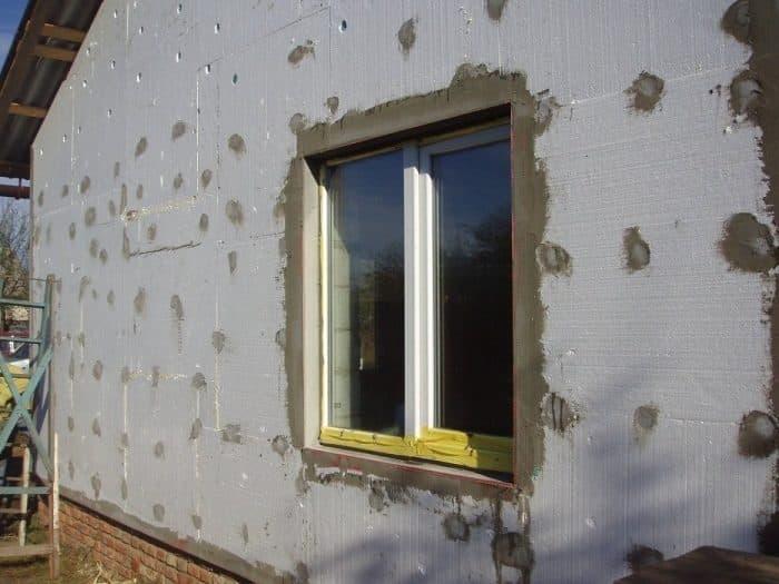 Утепление стен кирпичного и деревянного дома снаружи. наружное утепление своими руками