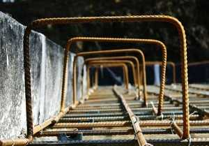 Вязка арматуры под ленточный фундамент – схемы армирования и виды арматуры