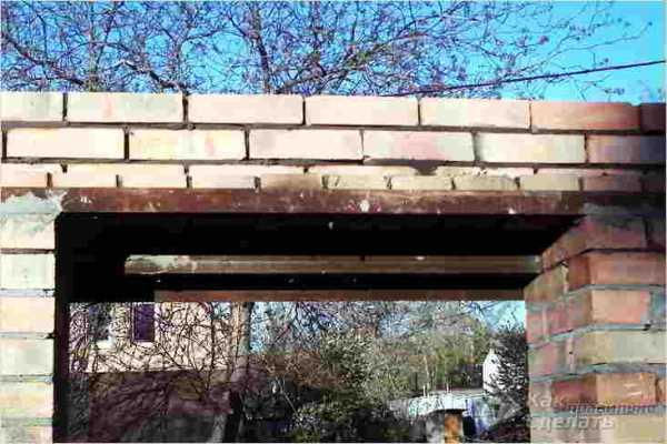 Как правильно сделать дверной проем в стене из кирпича: 4 простых этапа