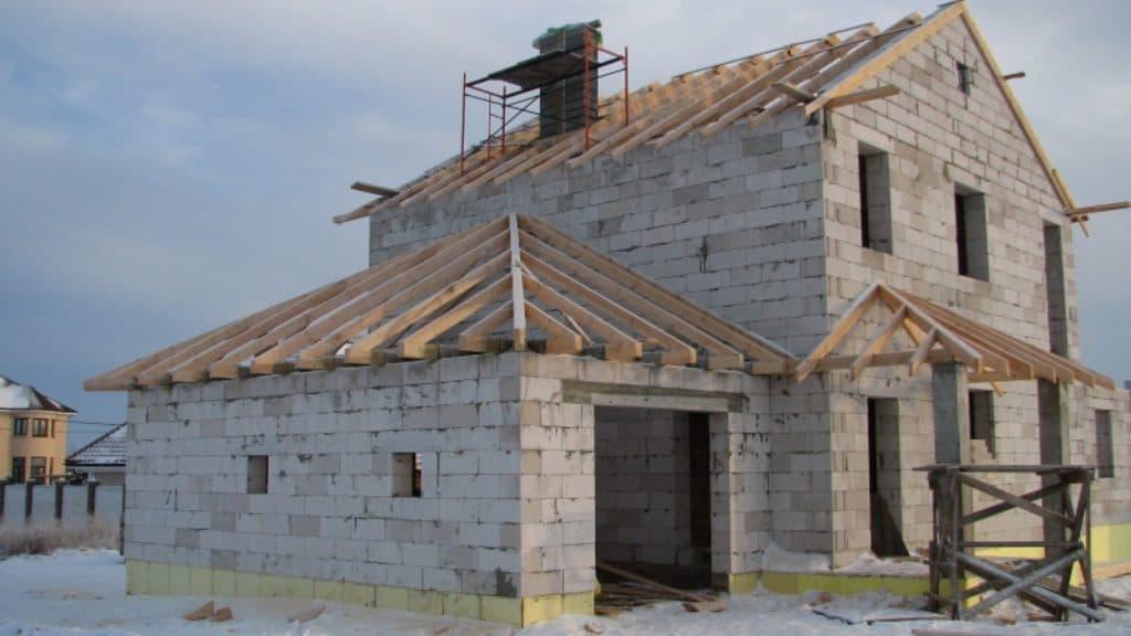 Пристройка из пеноблоков к дому своими руками: важные нюансы всех этапов строительства