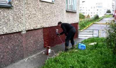 Как и чем покрасить бетонную стену?