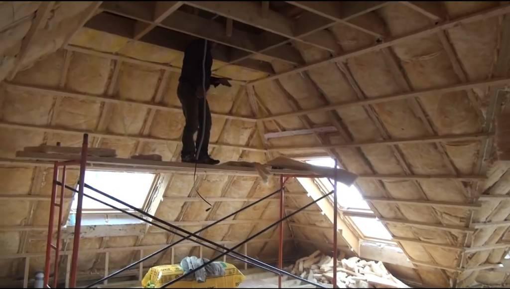 Качественное утепление крыши минватой изнутри — быстрый и эффективный метод укладки своими руками