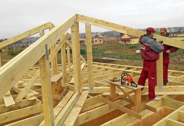 Полувальмовая крыша – стропильная система