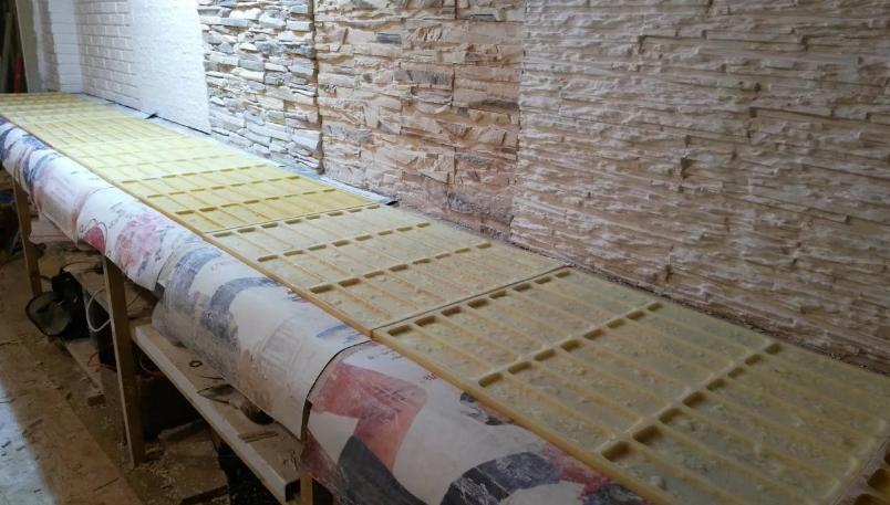 Поэтапный процесс производства искусственного камня