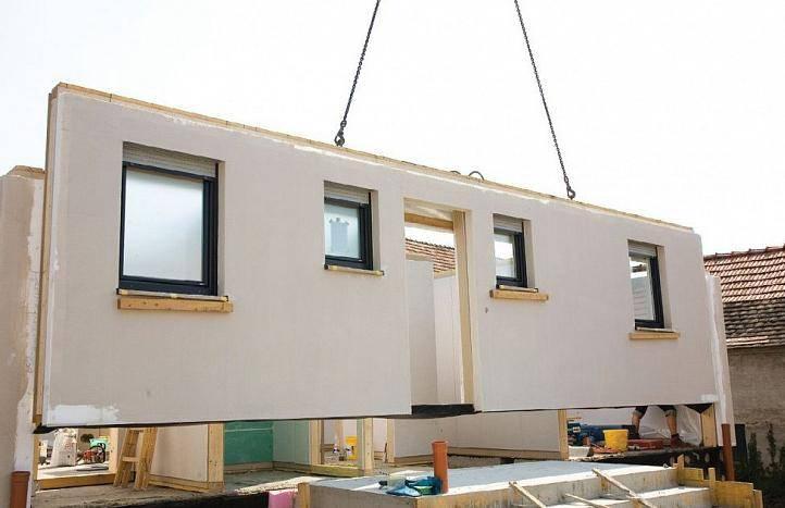 Особенности строительства стен дома из бетонных панелей, стоимость монтажа под ключ