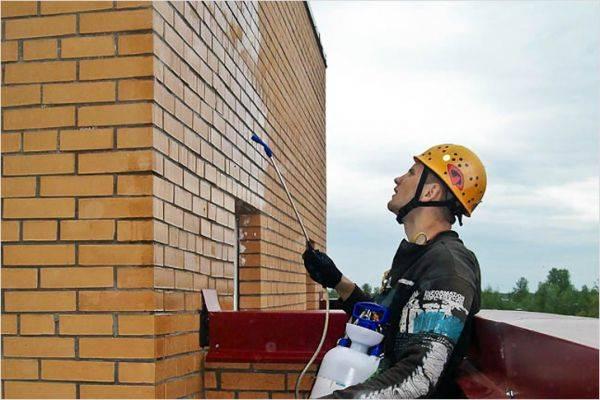 Оштукатуривание кирпичных стен: назначение и функции штукатурки