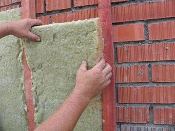 Виды, достоинства и недостатки применения цокольного сайдинга, рекомендации, как отделать цоколь вокруг здания