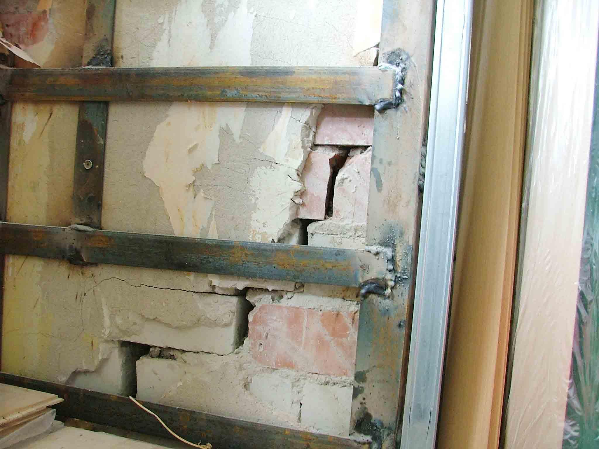 Секреты укрепления кирпичной и блочной кладки стен армирующей сеткой?
