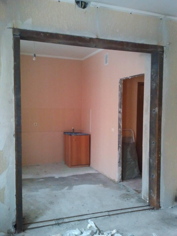 Проем в бетонной стене: как вырезать, цена за работу, способы сделать, выпилить или прорубить дверное, оконное отверстие, технология пробивки