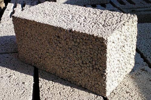 Керамзитобетонные полнотелые блоки: характеристики, цена, сфера применения, размеры керамзитного материала (в том числе 390x190x188), особенности кладки