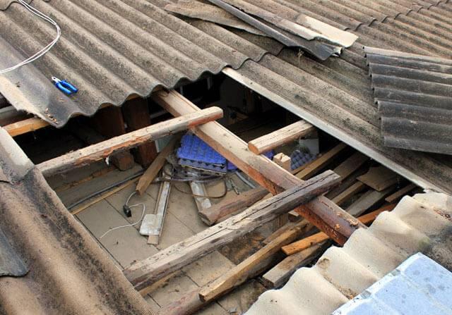 Ремонт кровли - текущий или капитальный ремонт? их отличия, технический регламент, нормы снип, за чей счет осуществляется ремонт крыши многоквартирного дома, а также образец заявления на ремонт крышисвоё