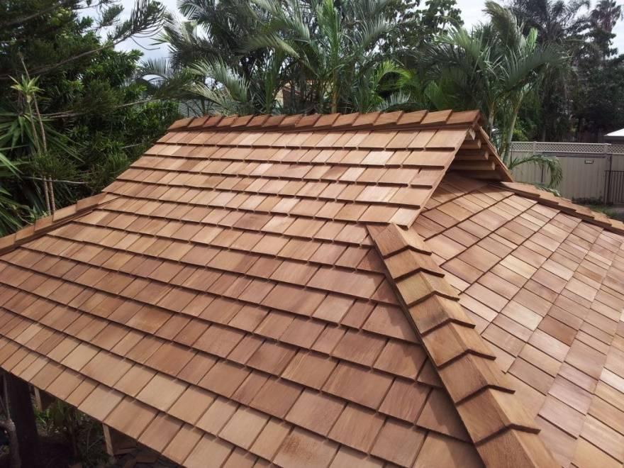 Как своими руками выполнить двухскатную полувальмовую крышу дома