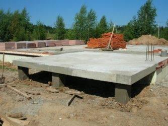 Фундамент из дорожных плит - где его можно использовать